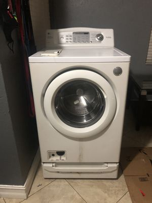 Free LG TROMM WASHER for Sale in Riverview, FL