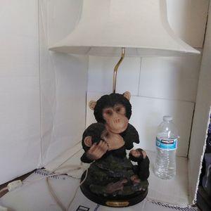 Monkeys In Love Lamp for Sale in San Bernardino, CA