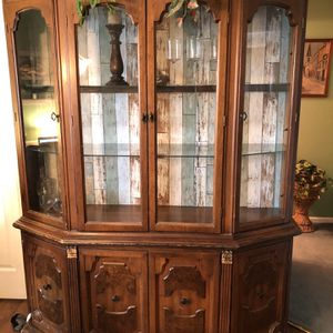 Free Dining Room Set. Table, 6 Chairs And Cabinet Must Be Able To Pick It Up for Sale in Sicklerville, NJ