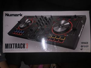 Mix track 3 numark for Sale in Anaheim, CA