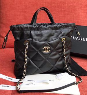 CHANEL Gold tone metal Black Shopping bag. Authentic card and hologram inside. for Sale in Hollywood, FL