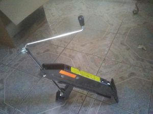 Trailer/Boat jack for Sale in San Bernardino, CA