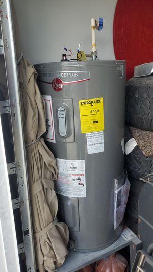 Rheem performance plus water heater for Sale in Palm Springs, FL