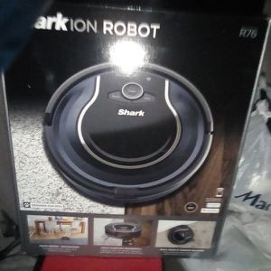 Shark Ion ROBOT VACUUM for Sale in Aberdeen, WA
