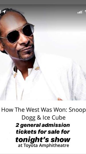 2 tickets for tonight's snoop & ice cube show for Sale in Sacramento, CA