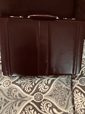 Locking leather briefcase- for privacy for Sale in Fernandina Beach, FL