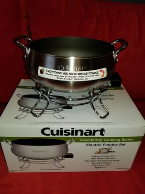 Cuisinart® 3 qt. Electric Fondue Set for Sale in Centreville, VA
