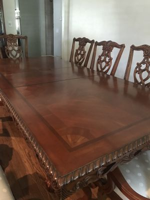 Dining room table for Sale in Bakersfield, CA