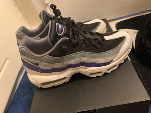 Air max size 9 for Sale in Oxon Hill, MD