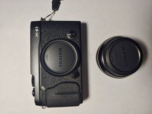 Fujifilm X E1 Camera w/ 18mm f2 Lens for Sale in Lexington, KY