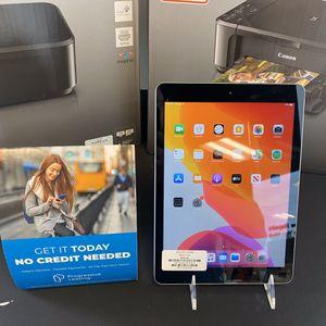 iPad 2017 32GB for Sale in Boynton Beach, FL