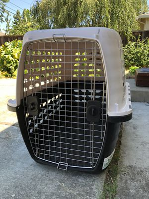 Petmate 40 inch LARGE plastic kennel and crate for travel for Sale in Fremont, CA