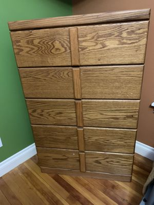 Dresser and one piece headboard w/nightstands Queen for Sale in Snoqualmie, WA