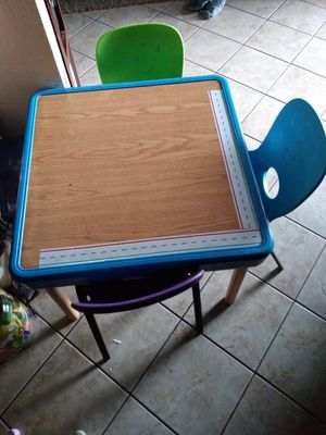 Kids table and 3 chairs for Sale in Spring Valley, CA