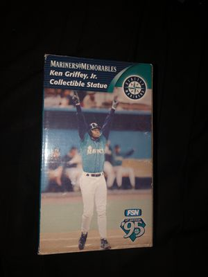 1995 vintage ken Griffey collectible statue for Sale in Federal Way, WA