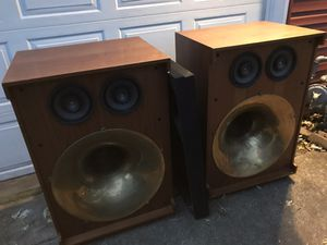 Gin Sound Co. Speakers 4 woofers total Brass horns for Sale in Geneva, IL