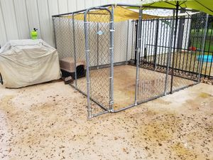 Dog kennel 10x10x8 with sun shade with dog house for Sale in Sun City, TX