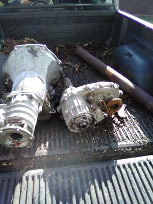 01 Dodge Cummins transmission and transfer case with drive shaft for Sale in Lilly, PA