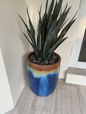 Ceramic pots with faux plant and rocks included. 3 pots available $175 each for Sale in Cutler Bay, FL