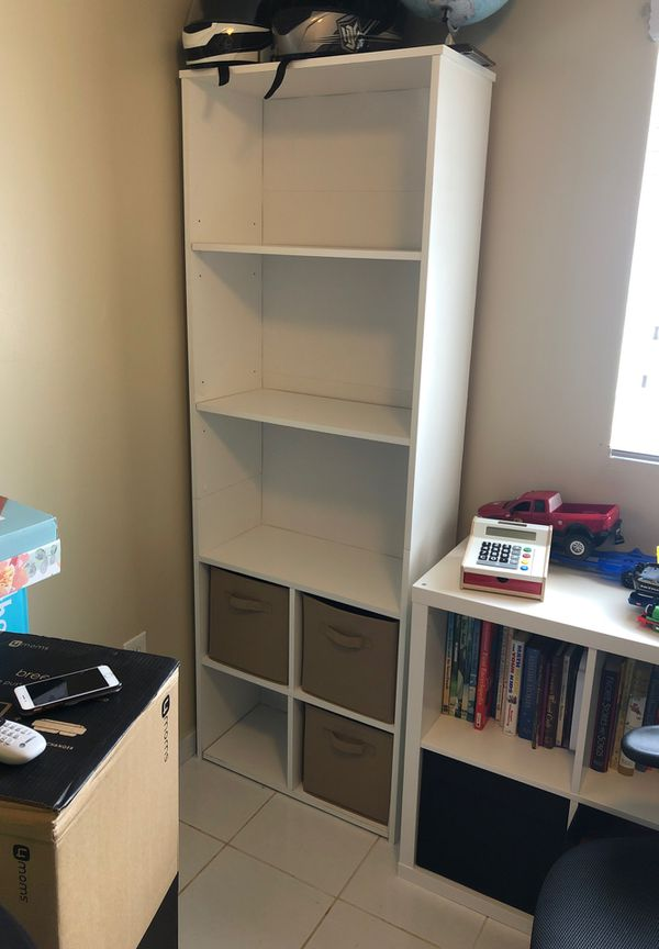 Book/Storage Shelf with 4 cubby holders and 3 Cubbies