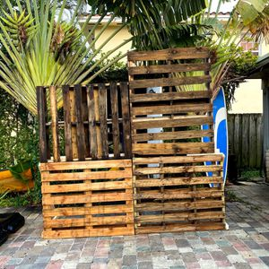 Pallet Backdrop / Photobooth Background for Sale in Hialeah, FL