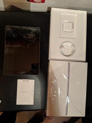 iPad 6th gen 32GB Cellular for Sale in Bothell, WA