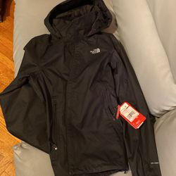 North Face Womens Jacket Resolve Plus size M Brand New for Sale in Queens,  NY
