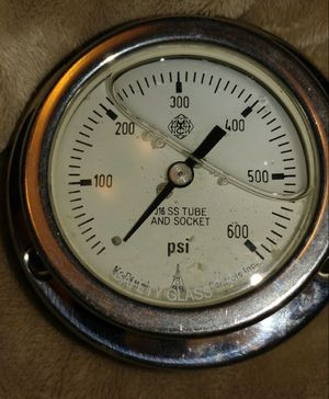 "2.5"" Liquid filled water gauge 600psi for Sale in Laredo, TX"