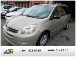 2005 Toyota Sienna for Sale in Garfield, NJ