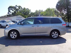 2013 Toyota Sienna for Sale in Tampa, FL