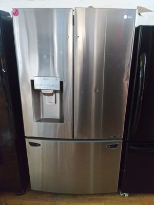 LG stainless steel French door refrigerator for Sale in Cleveland, OH