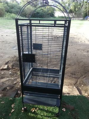 Large bird cage for Sale in Seagoville, TX