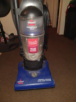 Bissell Powerforce Helix. Vacuum Cleaner for Sale in Modesto, CA