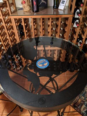 Wine table and chairs for Sale in Marysville, WA
