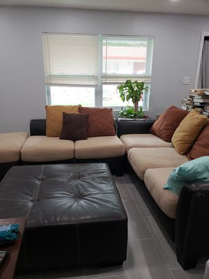 Sectional couches for Sale in Fort Lauderdale, FL