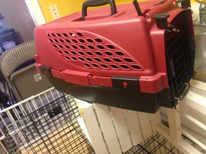 Small to medium dog or cat carrier for Sale in Manassas, VA