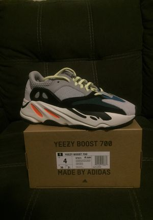 Brand new 700 Waverunners size 4 #baesize for Sale in Los Angeles, CA