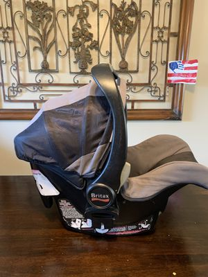 Britax car seat with 2 bases for Sale in El Cajon, CA