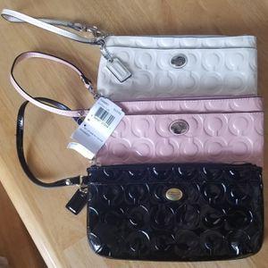 Woman Coach wallet for Sale in Dallas, TX
