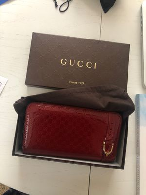 Vintage Gucci Red Wallet for Sale in Las Vegas, NV