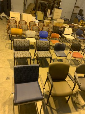 Office furniture (tons of stuff) for Sale in Chesapeake, VA