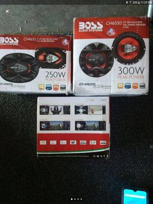 Car stereo system 4.1 display w/ speakers and back up camera for Sale in Traverse City, MI