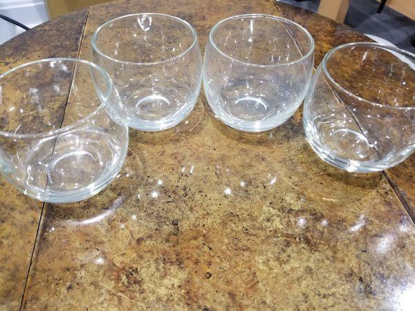 Perfect size - set of 12 stemless wine glasses. Dishwasher safe. No chips!