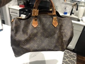 Real 100% authentic Louis V tote bag for Sale in Princeton, NJ