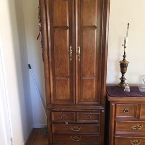Thomasville 5 Piece Bedroom Set for Sale in San Leandro, CA