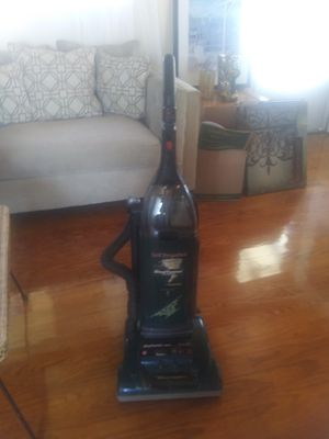 Hoover vacuum with attachments. Good condition. for Sale in Pearland, TX