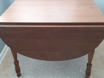 Drop Leaf Table for Sale in Charleston,  SC