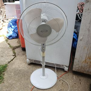 3 Speed Oscillating Fan for Sale in Washington, DC
