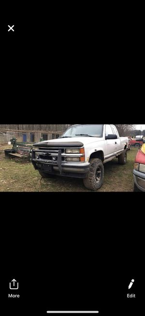 Chevy 1500 Z71 4x4 for Sale in Leetonia, OH