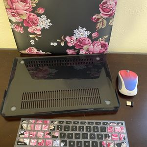 MacBook Pro 13 inch Case & Keyboard Cover/ Wireless Mouse for Sale in Dallas, TX